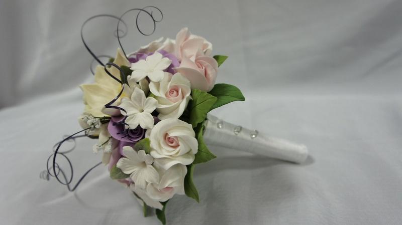 Свадебные букеты из глины, купить цветы пионы белые